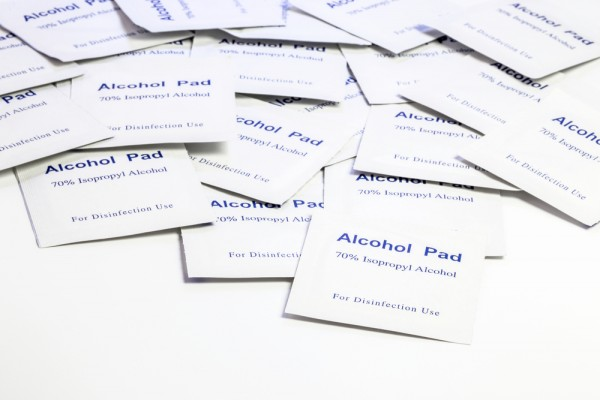 14 Surprising New Uses for Alcohol Pads --  Nurse Approved!