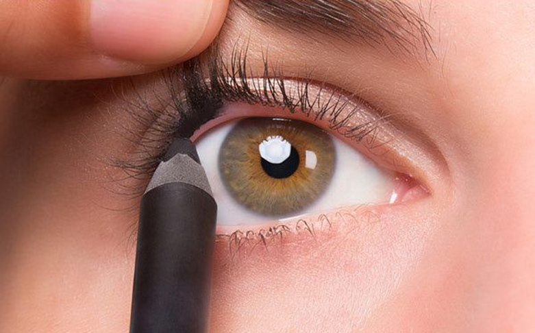 5 Quick Tricks to Make Your Eyes Look So Much Bigger