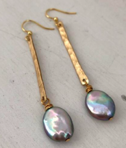 6cc797e3f90 Isabelle Grace Jewelry like these gorgeous Good To Glow Pearl Drop Earrings  are our current obsession. So simple in design but truly stunning on.