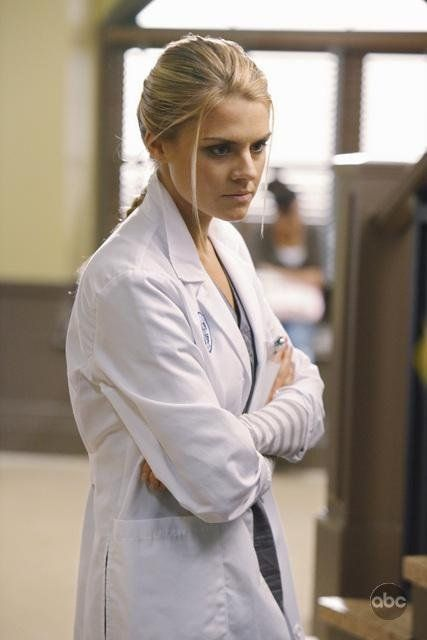 Eliza Coupe in Scrubs