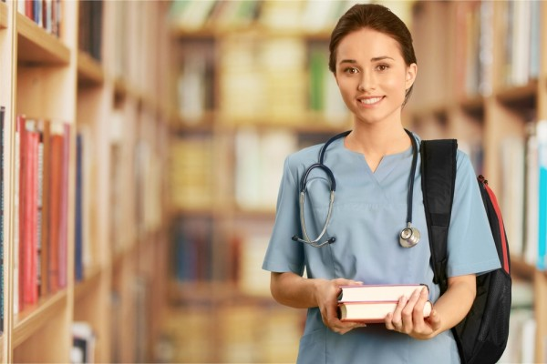 Balancing Studying with a Full Time Job_ 5 Helpful Tips for Nursing Students