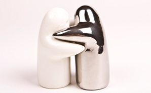 hugging-salt-and-pepper