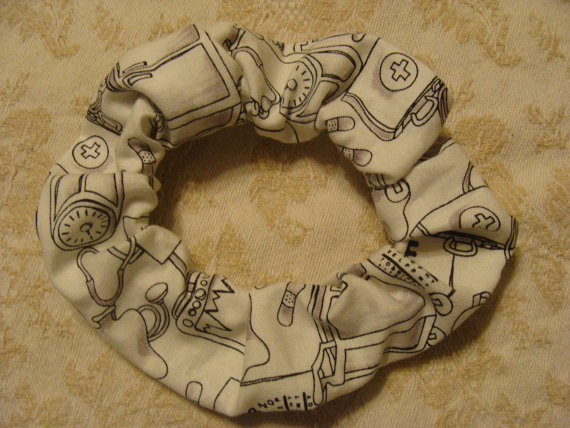 Hipstitchery Designs hair tie