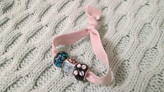 Hugga Ties - nurse bead hair tie