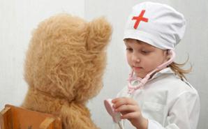 little-girl-nurse