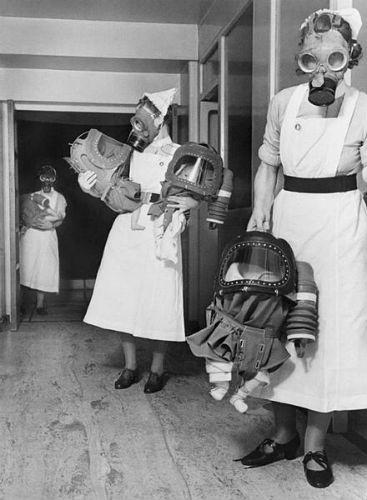 nurse-gas-mask