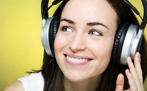 nurse-listens-to-music