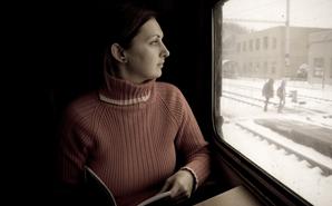 reading-on-train