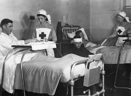 red-cross-nurse