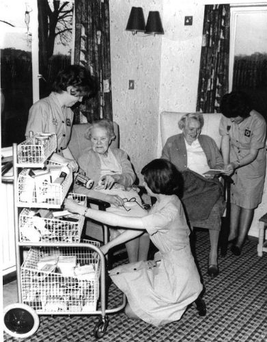 red-cross-nurses