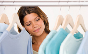 woman-looking-at-clothes